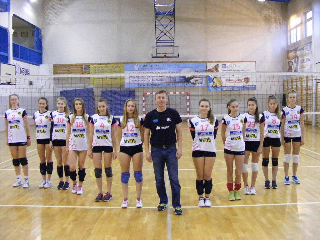 Kadetki UKS Międzyrzecka Trójka MIKA Międzyrzec Podlaski sezon 2016/2017