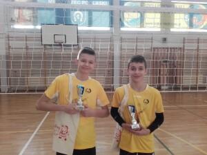 Mistrzowie 3 Turnieju: Kacper Roszkowski/Bartłomiej Chilicki.